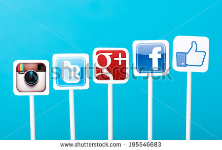 Social Media: Comparison between Facebook and Twitter?